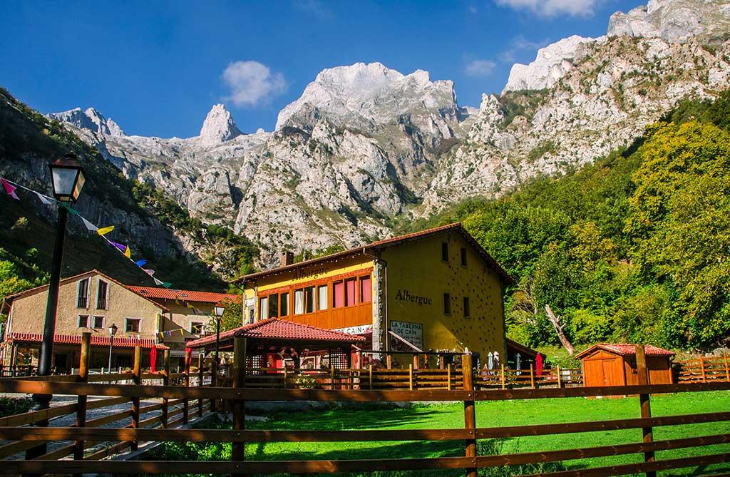 Alojamientos en Picos de Europa - Albergue el Diablo de la Peña